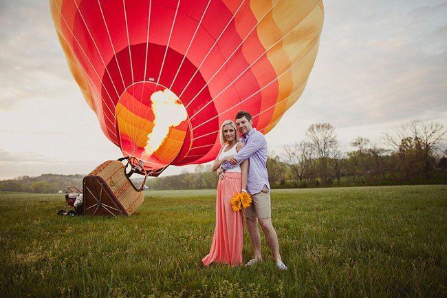 идеи для свадебной съемки: на воздушном шаре