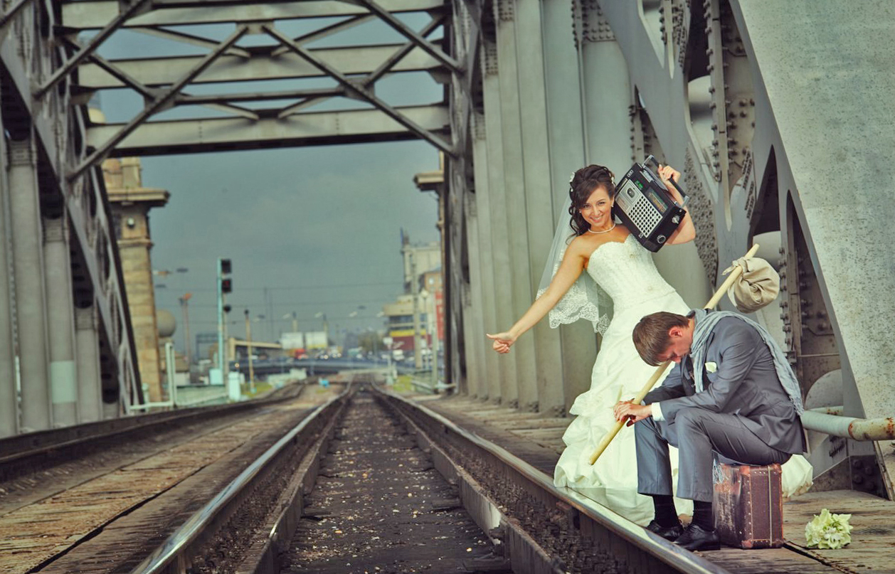 идеи для свадебной съемки: свадьба на вокзале