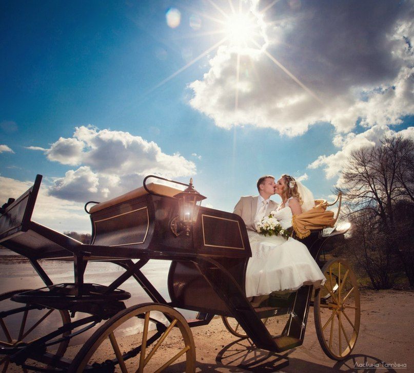 идеи для свадебной съемки: свадебная фотосессия в карете