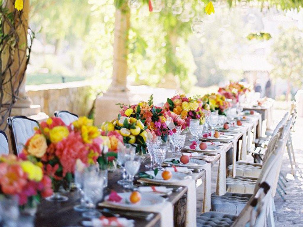 Какие бывают варианты расстановки столов на свадьбе