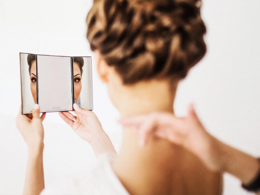 Макияж на свадьбу: рекомендации для невесты по выбору визажиста и подготовке к свадебному макияжу. Как выбрать визажиста на свадьбу. Основные моменты подготовки к свадебному макияжу.
